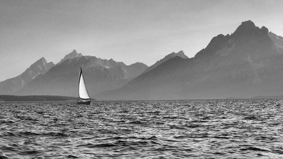 Sailing on Jackson Lake, Grand Teton National Park
