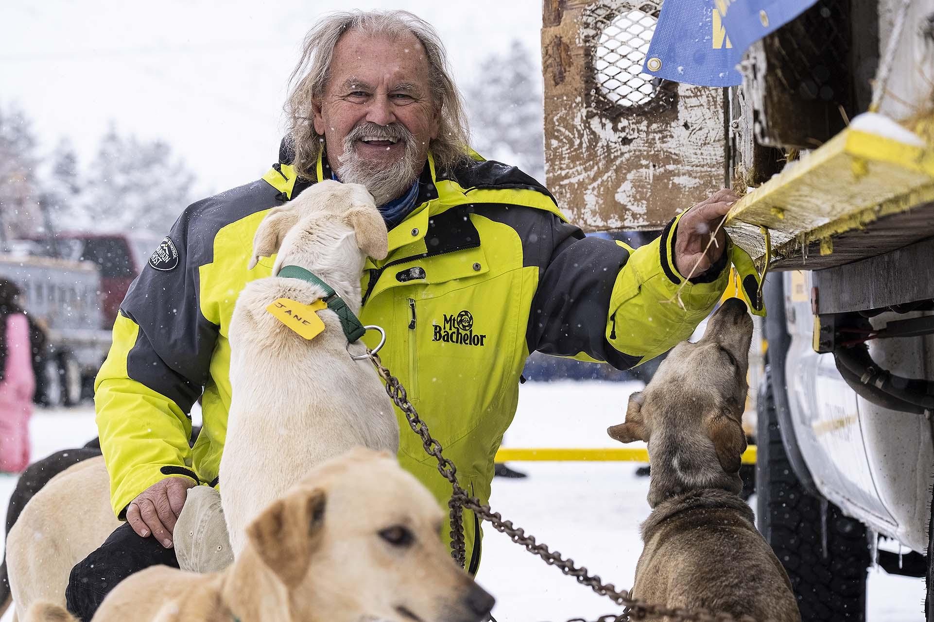 Jerry Scdoris - Pedigree Wyoming Stage Stop Dog Sled Race